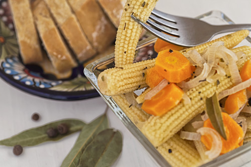 Pickled Baby Corn accompanied with bread